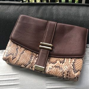 🎉Ann Taylor small clutch